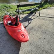 Kayak devant le club JSPA Mayenne