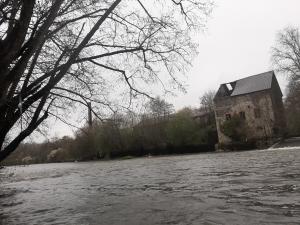 Barrages de Brives - Ancien moulin et cheminée